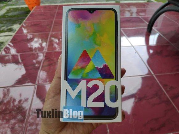 Nyobain Samsung Galaxy M20, Ternyata Kayak Gini... 3