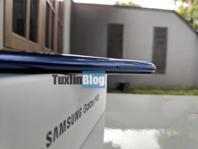 Review Samsung Galaxy M20: Baterai Besar Jadi Andalan 7