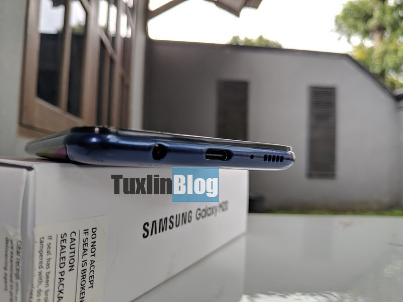 Review Samsung Galaxy M20: Baterai Besar Jadi Andalan 8