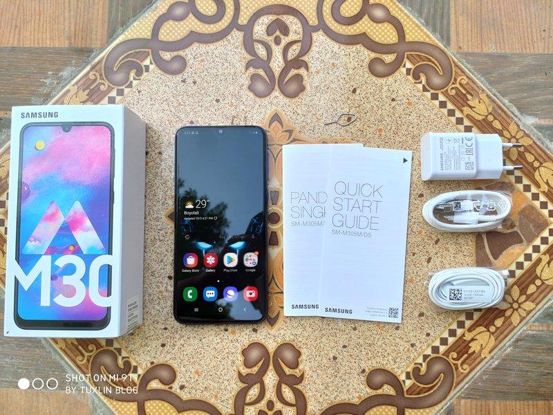 Paket Penjualan Samsung Galaxy M30