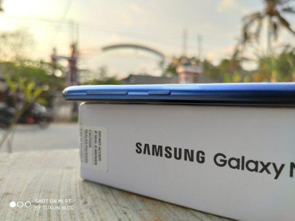Review Samsung Galaxy M30: Baterai Besar, Kinerja Standar 8