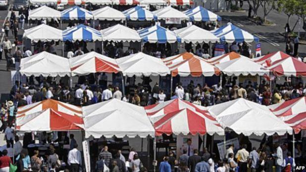 Tìm kiếm thông tin và cơ hội tại các hội chợ việc làm