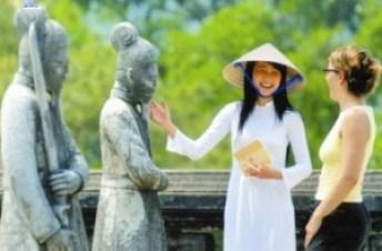 Việt Nam - với nhiều cảnh quan, địa điểm du lịch nổi tiếng thế giới thì ngành du lịch cũng rất tiềm năng