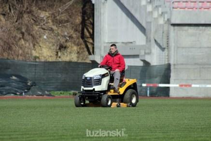 trava-tusanj-stadion (1)