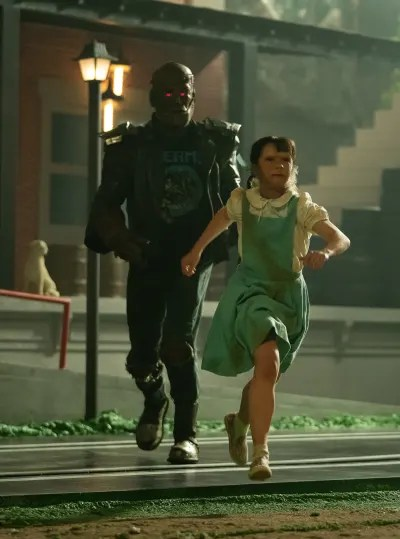 Cliff Chases Dorothy - Doom Patrol Season 2 Episode 1