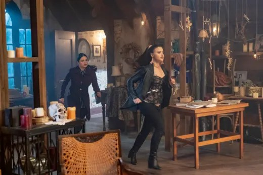 Mel and Maggie To The Rescue - Charmed (2018) Season 1 Episode 18
