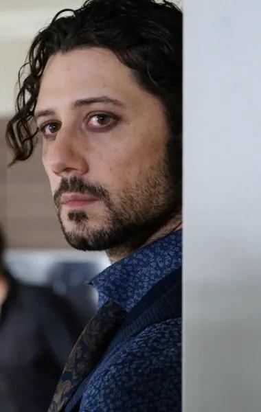 Eliot stares - The Magicians Season 5 Episode 6