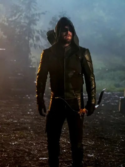 Oliver Looks On - Arrow Season 8 Episode 7