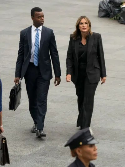 Walking With the Deputy Chief - Law & Order: SVU Season 21 Episode 4