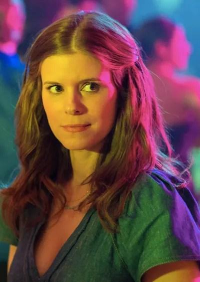Claire chaperone - A Teacher Season 1 Episode 3