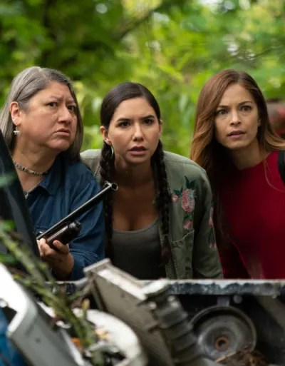 Kodie, her Kokum, and Joanna Hide From Mercer And Co - Burden of Truth Season 3 Episode 4