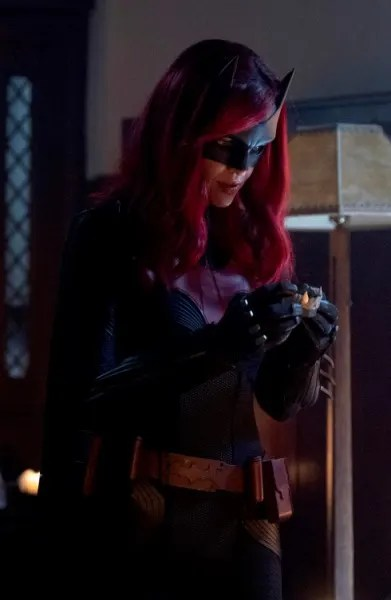 Toothy - Batwoman Season 1 Episode 13