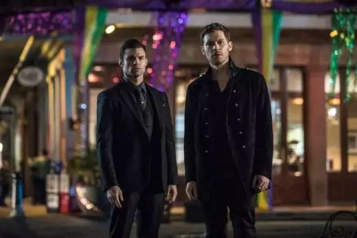 Eine Geschichte von zwei Brüdern - The Originals Season 5 Episode 13