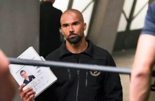 Hondo Takes Charge - SWAT Season 1 Episode 1