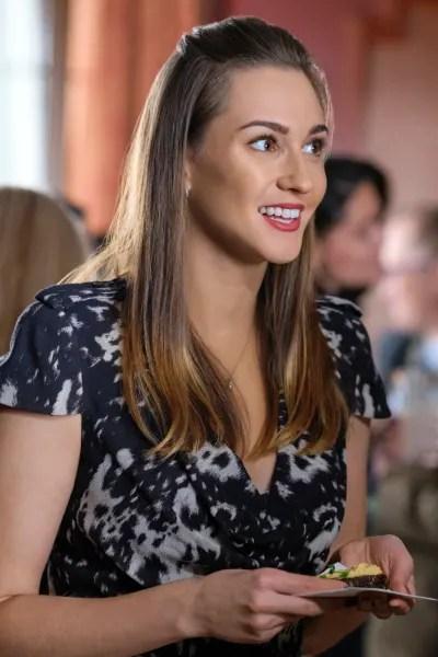 Joy Has a Date - Good Witch Season 6 Episode 7