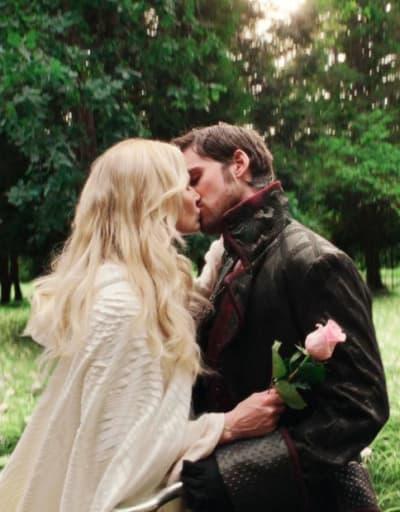 CaptainSwan The Broken Kingdom Kiss - Once Upon a Time Season 5 Episode 4