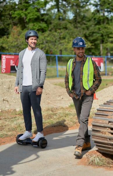 Eccentric Evan - Chesapeake Shores Season 5 Episode 3
