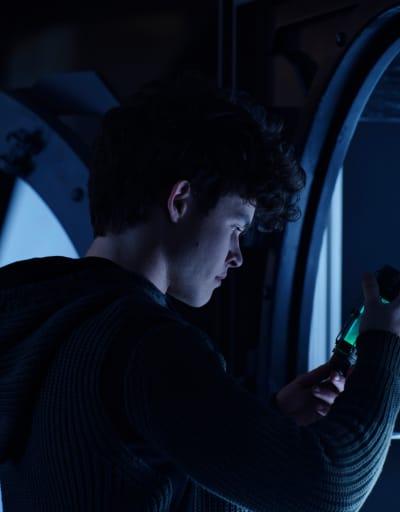Finding the Serum - Titans Season 3 Episode 5
