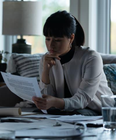 Luna deciphering evidence-Burden of Truth Season 4 Episode 3