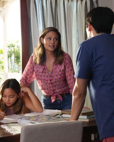 Jane at Home - NCIS: Hawai'i Season 1 Episode 1