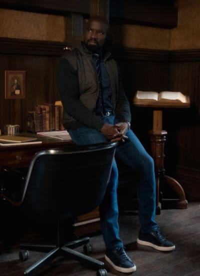 David Soaks It In - EVIL Season 2 Episode 12