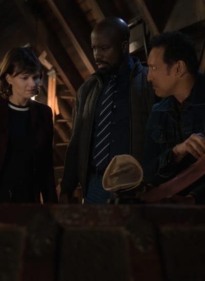Something Stinks - EVIL Season 2 Episode 12