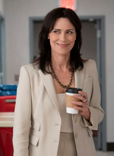 Veronica Fuentes -tall  - New Amsterdam Season 4 Episode 3