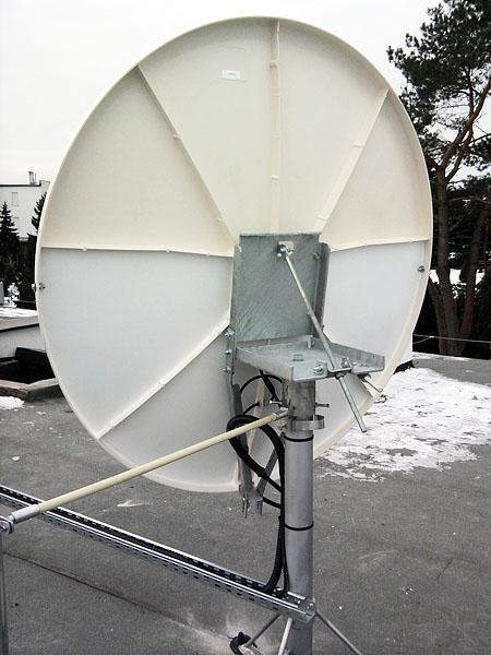 Antena-Satelitarna-Zawieszenie