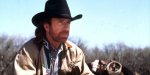 Scontri a Washington, Chuck Norris messaggio su Facebook