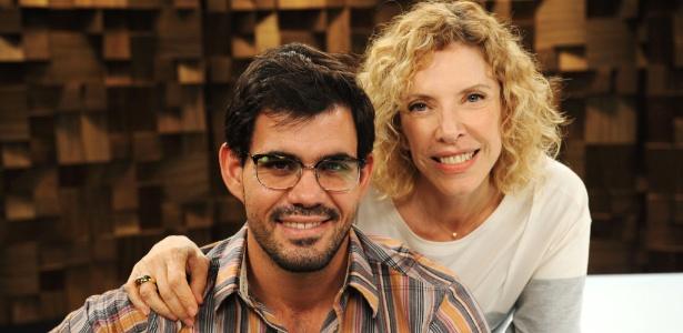 O ator Juliano Cazarré participa do programa de Marília Gabriela na GNT