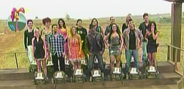 Os peões de A Fazenda 3 reúnem-se após início do programa