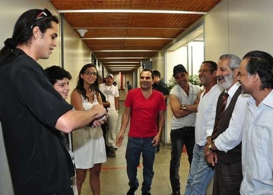 Zezé Di Camargo e Luciano fazem mágica no estúdio de Araguaia (13/1/2011)