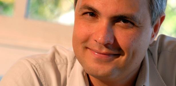 https://i0.wp.com/tv.i.uol.com.br/televisao/2011/05/10/o-diretor-de-novelas-alexandre-avancini-1152011-1305061456883_615x300.jpg