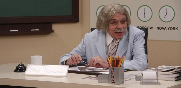 "Chico Anysio grava como o professor Raimundo no ""Zorra Total"" (setembro/2011)"