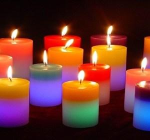 come-decorare-una-candela-con-il-decoupage_f8e79744b06568e7078e36e481d089f6