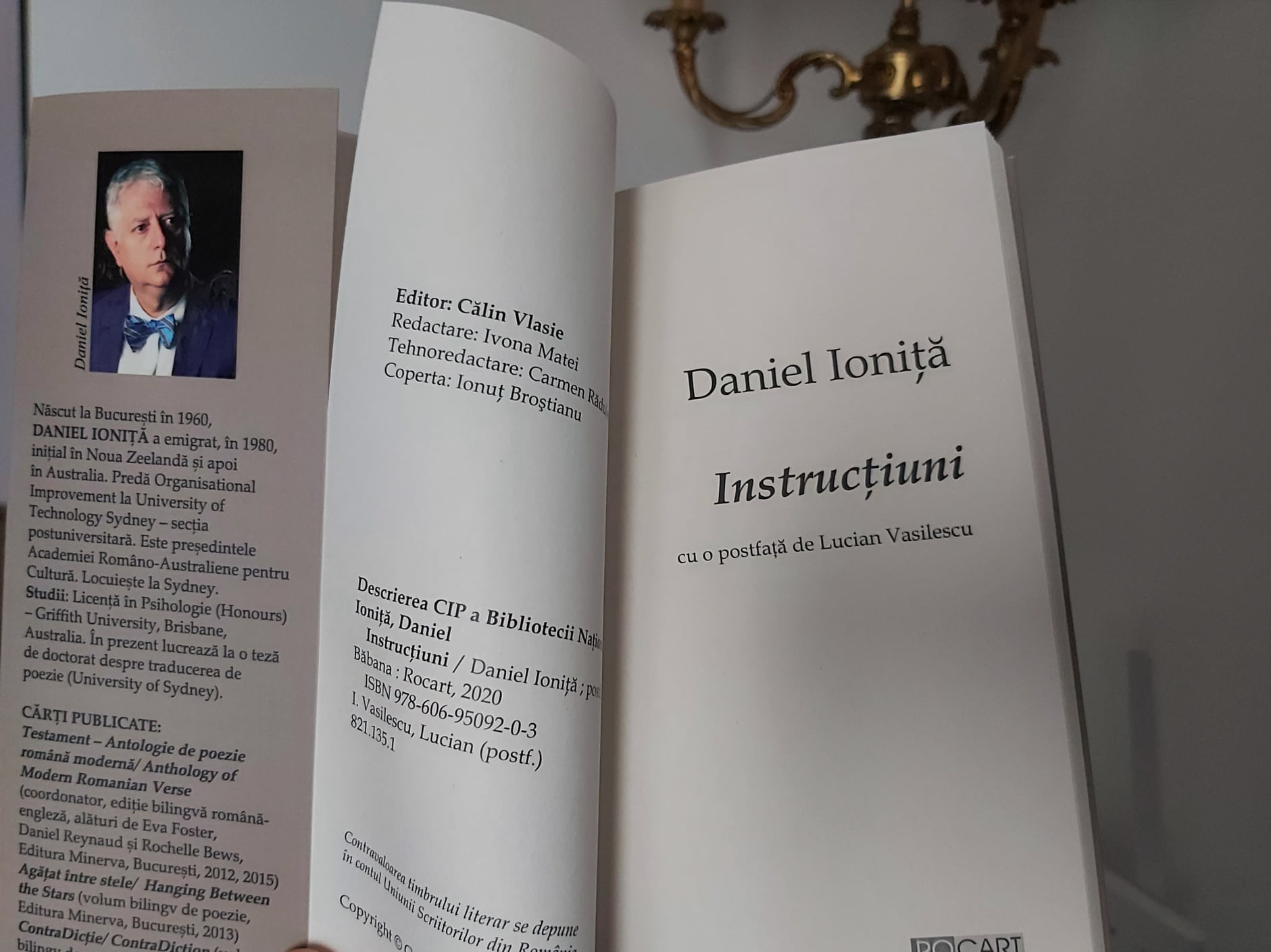 """Daniel Ioniță – """"Instrucțiuni"""", poezie, Editura ROCART, Decembrie 2020"""