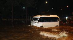 Adana'da trafik felç oldu