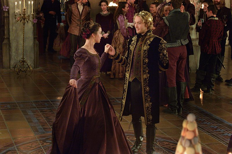 """Reign 2x13 """"Sins of the Past"""" Promotional Photos"""