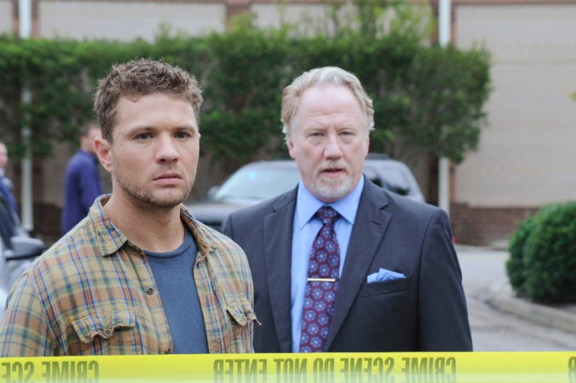 "Secrets And Lies 1x07 ""The Cop"" - RYAN PHILLIPPE, TIMOTHY BUSFIELD"