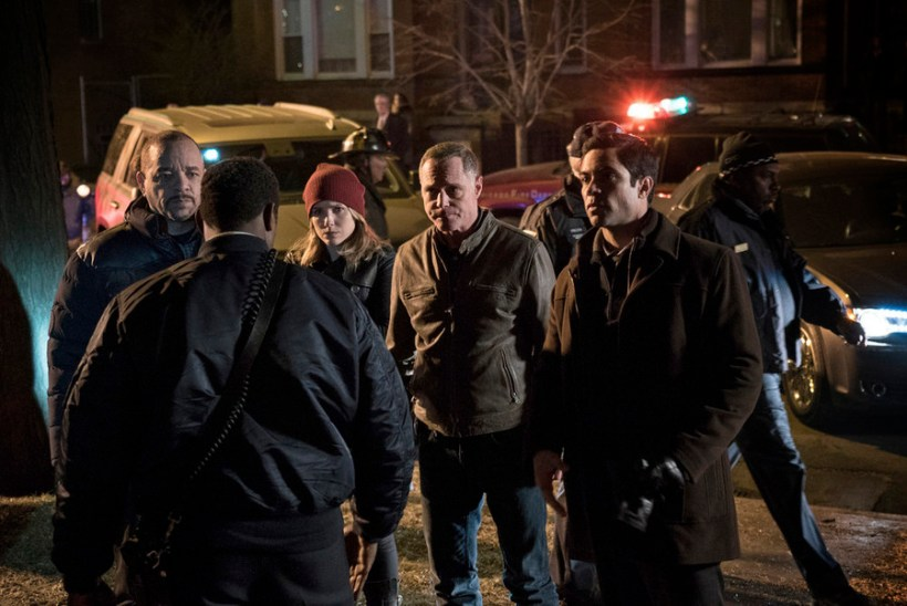 """Chicago P.D. 2x20 """"The Number of Rats"""" Promotional Photos"""