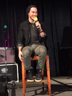 TVD CHICAGO DAY 1 WOOD 6