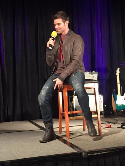 TVD CHICAGO GILLIES 13