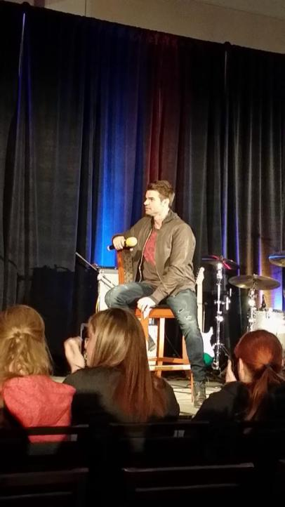TVD CHICAGO GILLIES 18