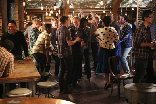 Chasing Life 2x04-8 / GREG GERMANN, MARY PAGE KELLER