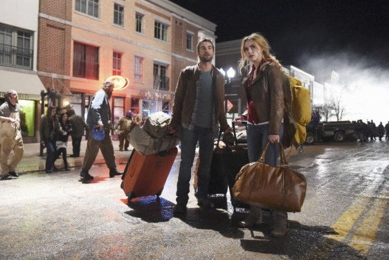 Blood & Oil 1x01 -CHACE CRAWFORD, REBECCA RITTENHOUSE