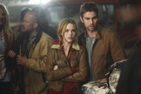 Blood & Oil 1x01 -REBECCA RITTENHOUSE, CHACE CRAWFORD