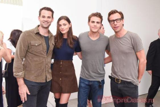 Frame Denim Show at NYFW - Phoebe Tonkin and Paul Wesley 3