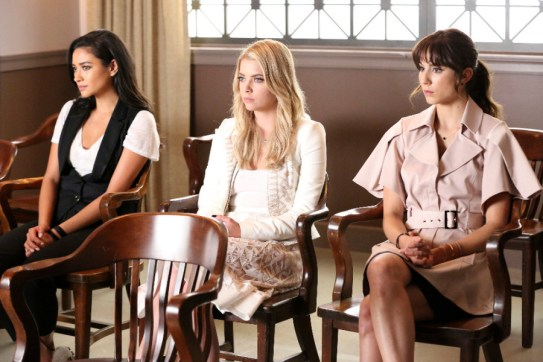 Pretty Little Liars 6x11 -SHAY MITCHELL, ASHLEY BENSON, TROIAN BELLISARIO
