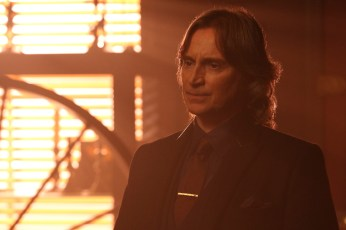 Once Upon A Time 5x12 - ROBERT CARLYLE