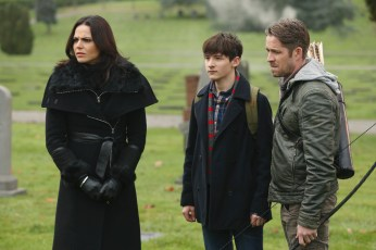Once Upon A Time 5x12 - LANA PARRILLA, JARED GILMORE, SEAN MAGUIRE